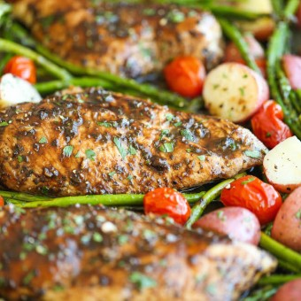 HONEY BALSAMIC CHICKEN BREASTS AND VEGGIES